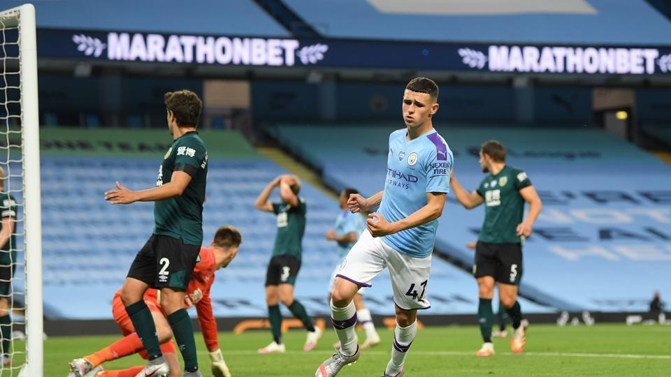 Premier League:Foden and Mahrez doubles help Manchester City crush Burnley 5-0
