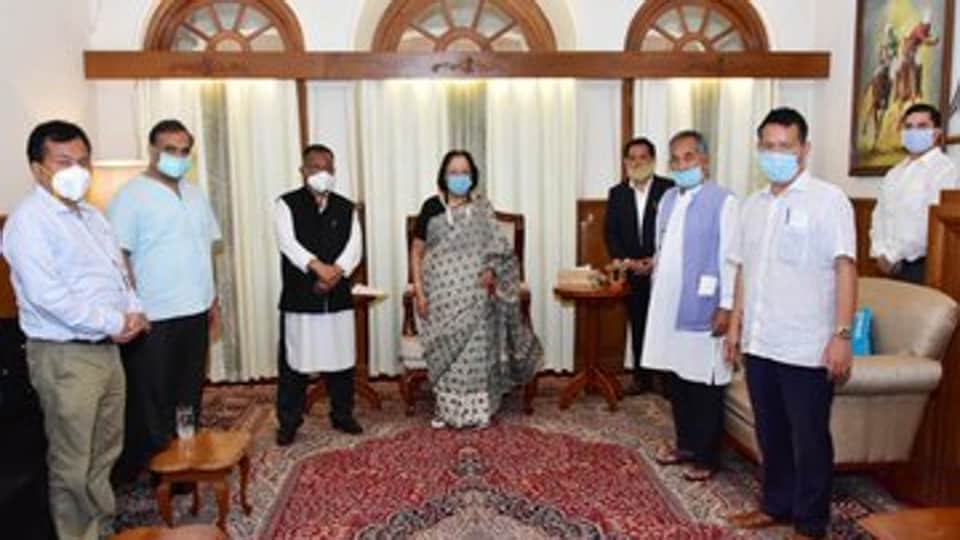 The four NPPMLAs  met Manipur Governor Najma Heptullah at the Raj Bhawan  in Imphal on Thursday and submitted a  letter extending support to the government.
