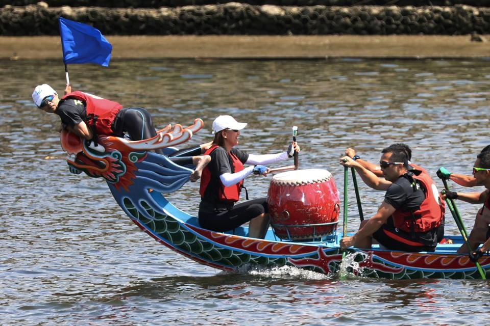 Teams compete during the Dragon Boat Festival in Taipei, Taiwan, June 25, 2020.  (REUTERS)