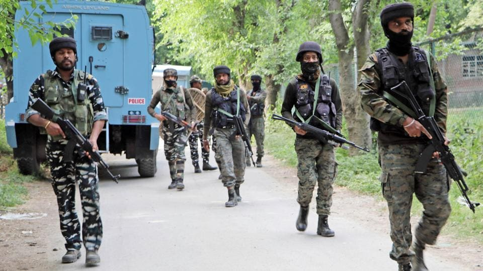 Security forces at an encounter site in Saimoh area of Tral, Awantipora on June 2, 2020.