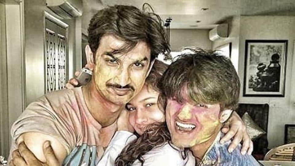 Sushant Singh Rajput, Ankita Lokhande and Sandip Ssingh pose together.