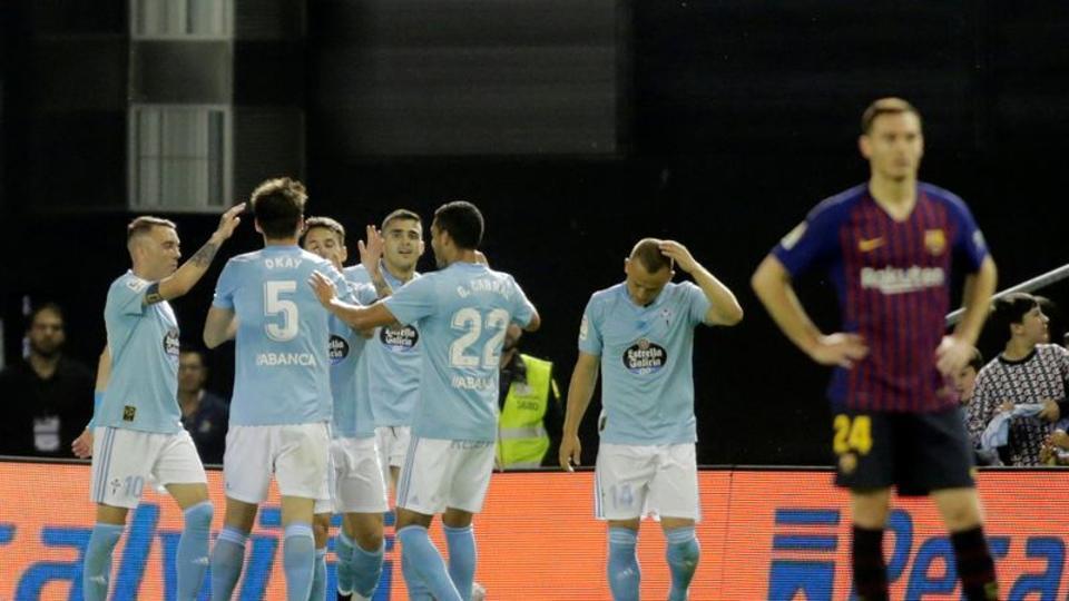 Celta Vigo's Maxi Gomez celebrates scoring their first goal with team mates REUTERS/Miguel Vidal
