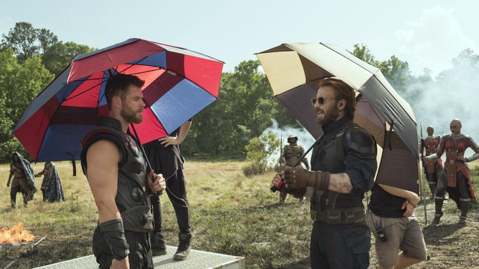 Chris Hemsworth and Chris Evans on Avengers Infinity War sets.