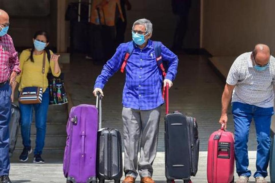 Nearly 800 out of 1,498 fresh cases reported in the state on Tuesday were from Bengaluru urban alone.