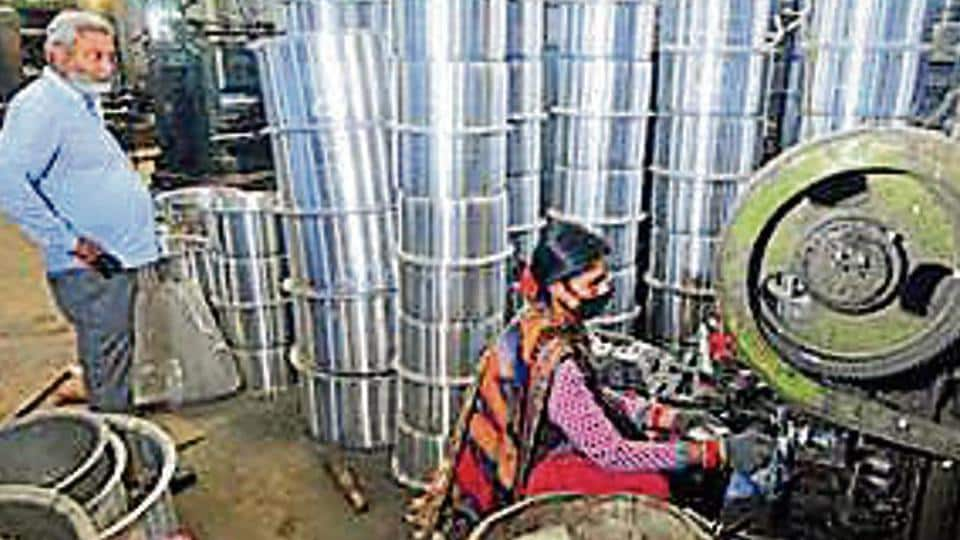 Loans to MSMEs fell by  ₹34,627 cr amid the lockdown despite government push.