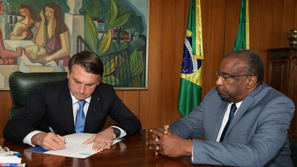 Economist Carlos Alberto Decotelli (right) also had included on his resume a doctorate from the University of Rosario in Argentina, but the rector of that institution said on Twitter last week that he hadn't finished his studies.