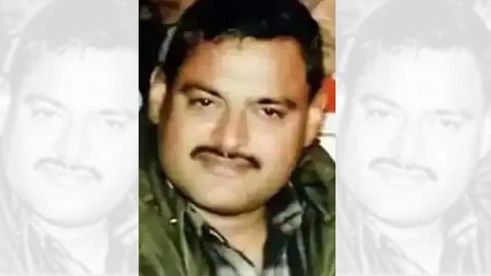 Uttar Pradesh police has begun their search for Dubey on a war-footing.