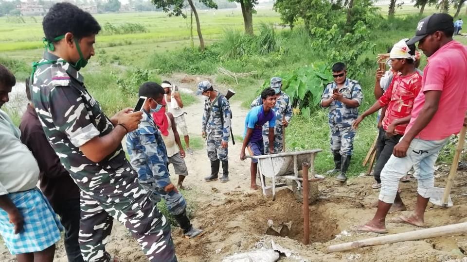 An Indo-Nepal joint field survey team has started work for an amicable resolution to a land border dispute at Dhaka block in Bihar's East Champaran district