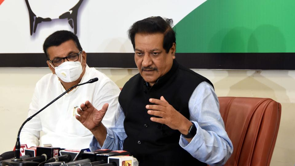Maharashtra former CM Prithviraj Chavan addresses media during a press conference at Tanna house , Colaba in Mumbai. (Photo by Bhushan Koyande/ HT)