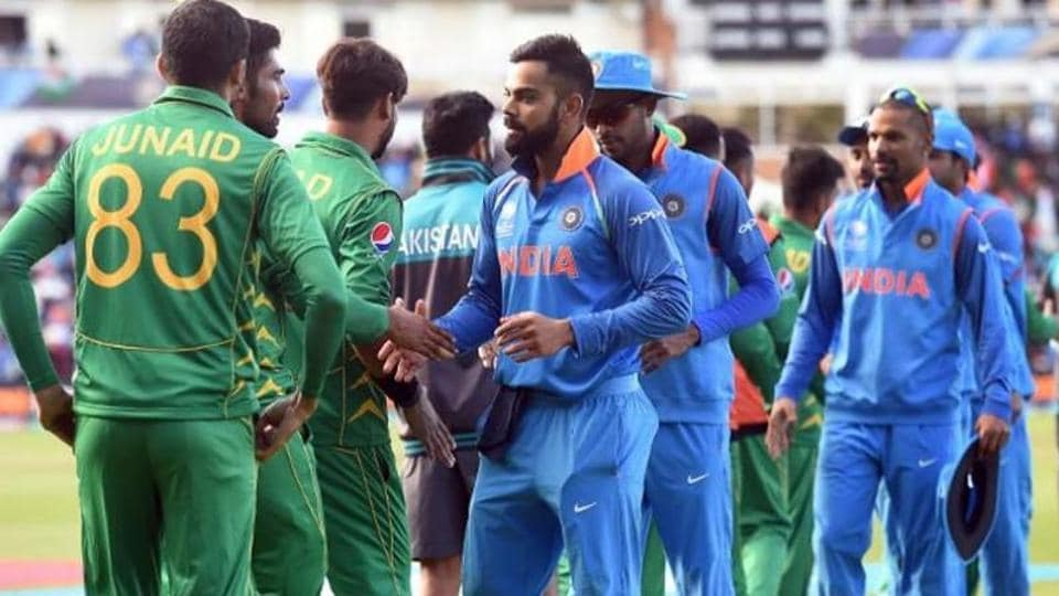 India cricket team shakes hands with Pakistan Cricket team. File image.