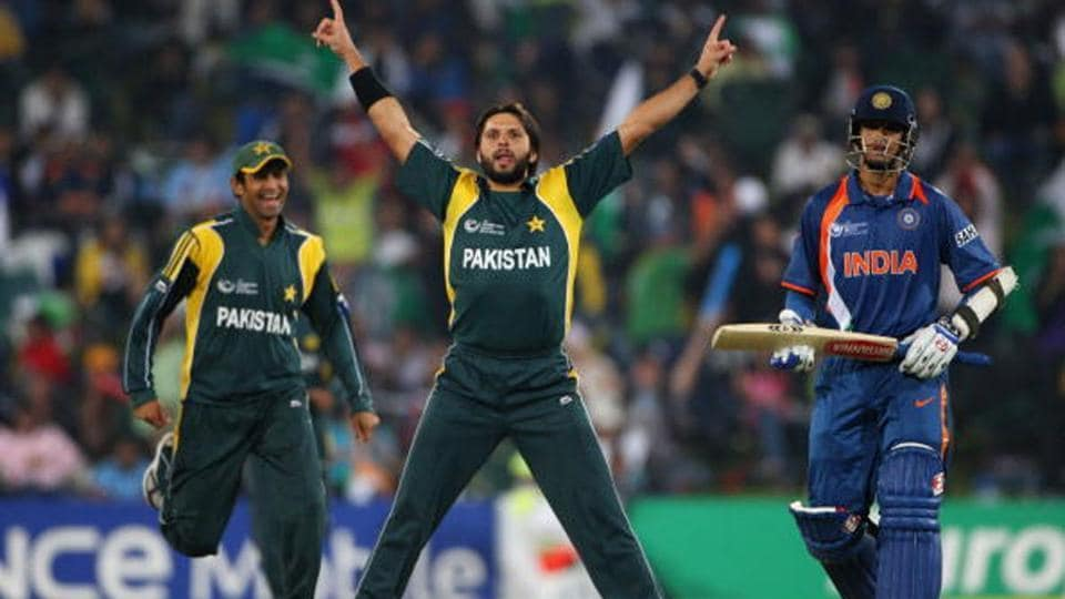 Shahid Afridi celebrates the wicket of Rahul Dravid during the 2009 Champions Trophy.