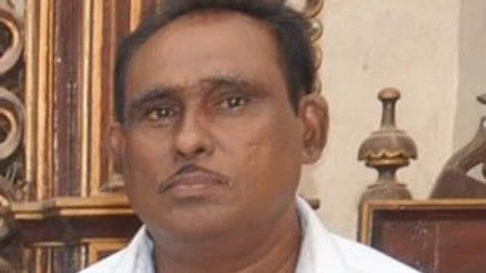 Pascoal D'Souza was the brother of State President of the Nationalist Congress Party José Philip D'Souza, a former revenue minister in the Goa Government.