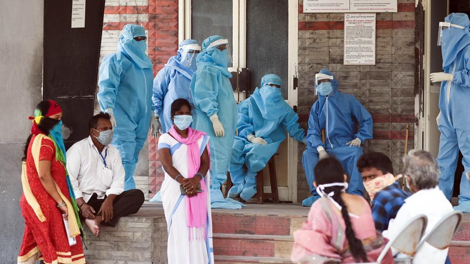 Andhra Pradesh, Apr 22, (ANI): Health workers wearing personalprotectiveequipment suits as a preventive measure against coronavirus at a Government Hospital, in Vijayawada on Wednesday. (ANI Photo)