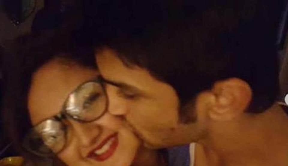 Rashami Desai was closer to Sushant Singh Rajput before he moved to films.