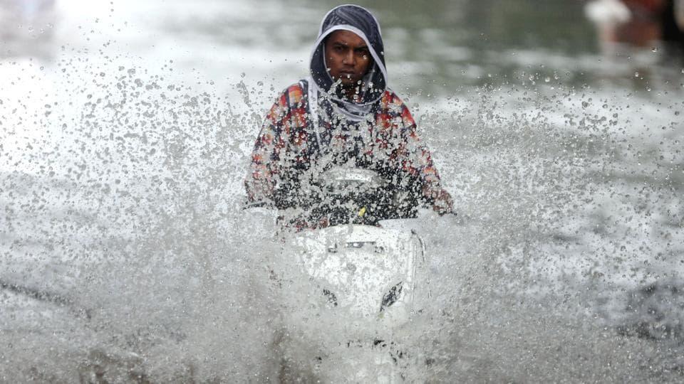 Moderate to intense thunderstorm and lightning is expected over Madhya Pradesh, south Uttar Pradesh, Bihar, Chhattisgarh, Jharkhand and north coastal Andhra Pradesh during the next 12 hours.