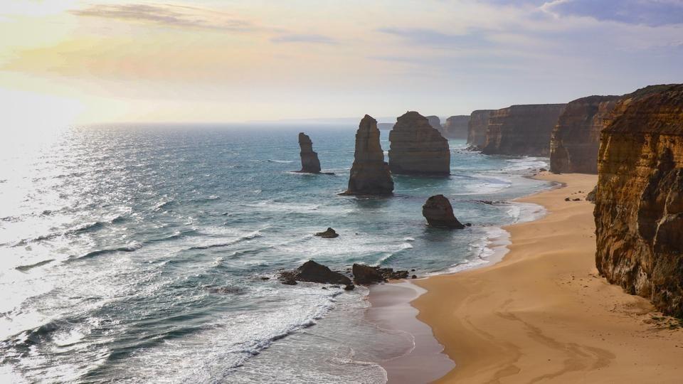 Covid-19: Travel blues for Australian border towns stuck in coronavirus isolation