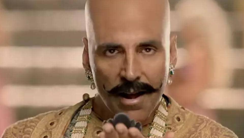 Akshay Kumar as Bala in Housefull 4.