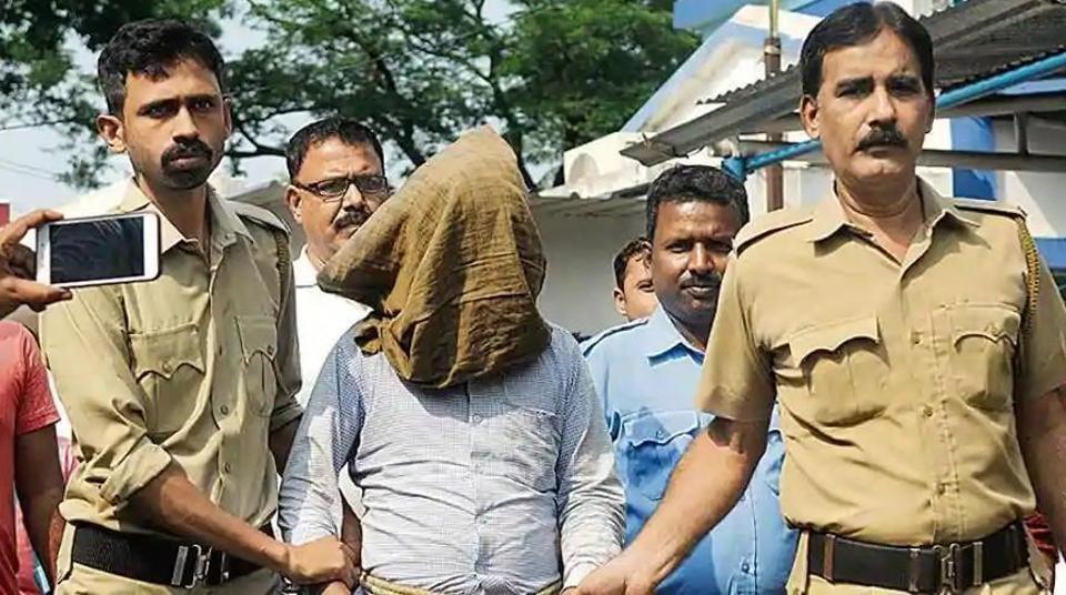 Serial killer Kamruzzaman Sarkar at Kalna court in East Burdwan district of West Bengal.