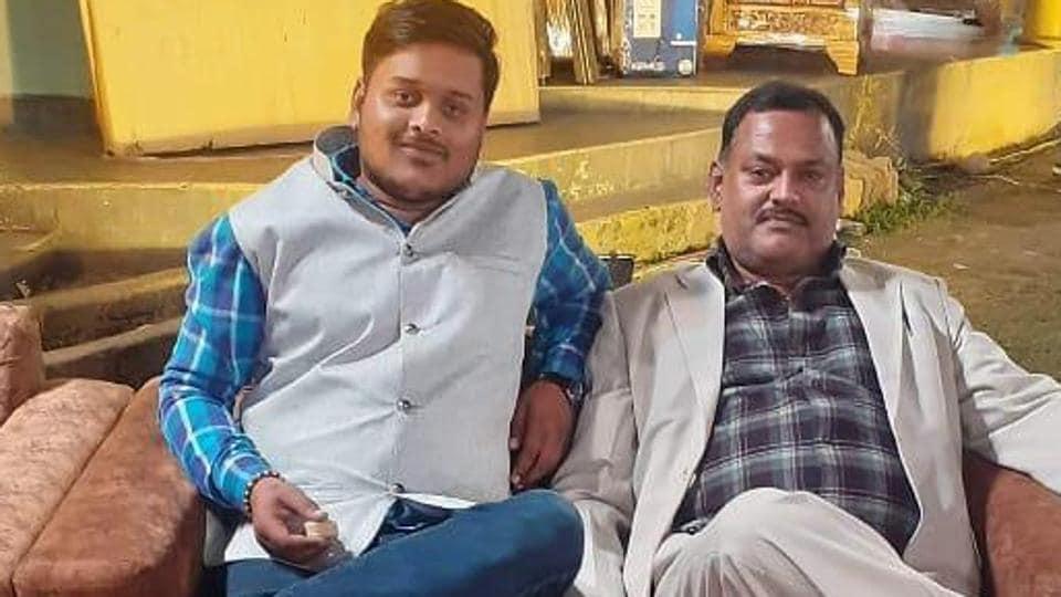 Amar Dubey (Left) with gangster Vikas Dubey.