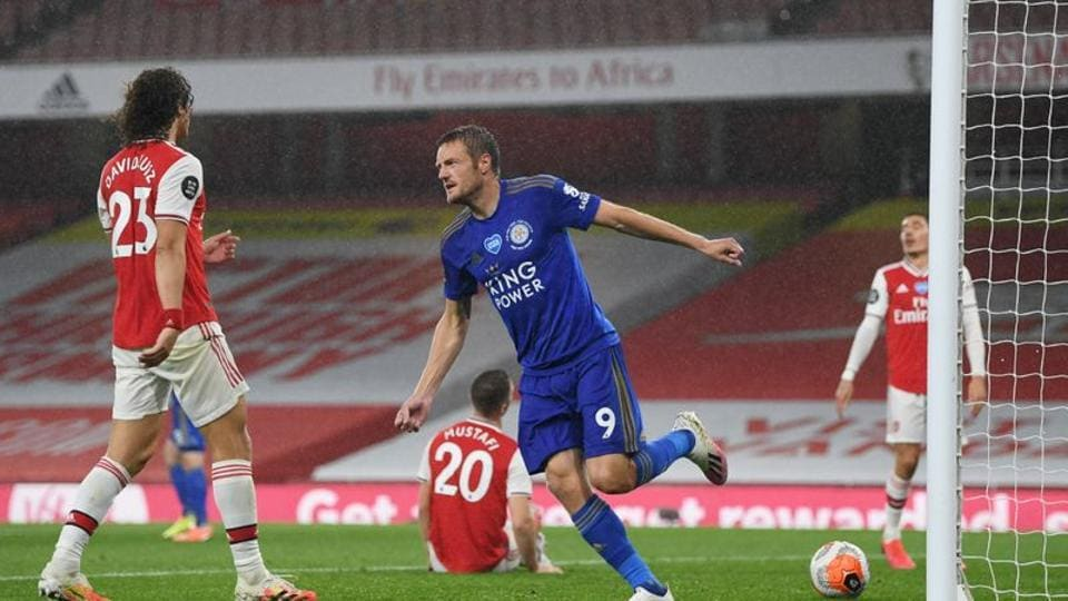 Jamie Vardy's late strike earns Leicester point at Arsenal