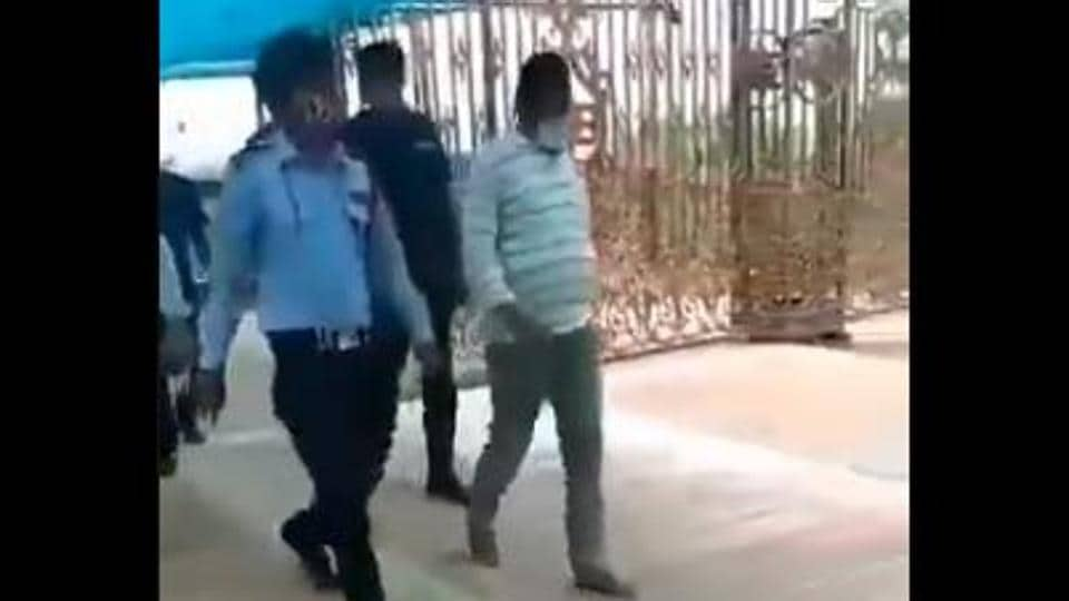 Vikas Dubey, the Kanpur gangster on the run after he killed eight Uttar Pradesh policemen trying to arrest him on July 3, turned up at Ujjain's Mahakal temple in Madhya Pradesh early on Thursday morning.