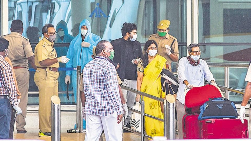The total count of 23,814 coronavirus patients include 21,071 local people, 2,319 from other states and 424 people who have returned from abroad.