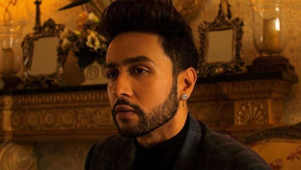 Adhyayan Suman said that he has been at the receiving end of 'groupism'  in the  film industry.