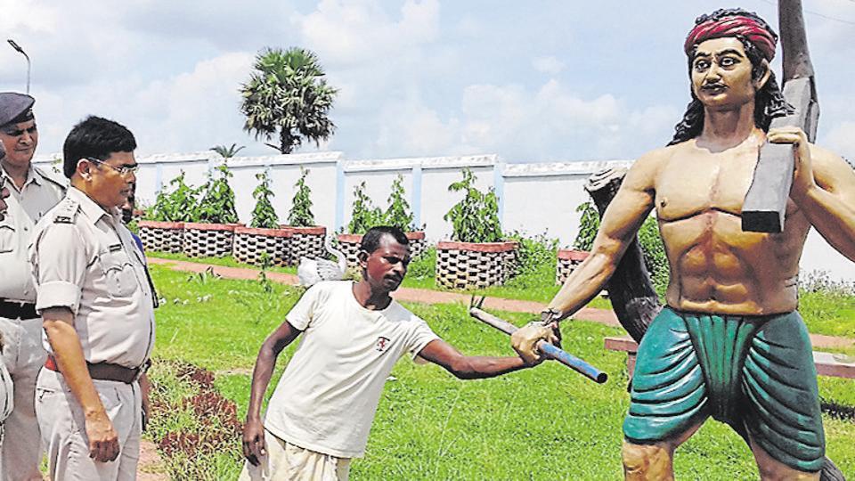 A similar incident of damaging Kanhu Murmu's statue was reported in Bihar's Sahebganj district in 2016.