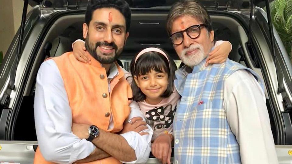 Abhishek and Amitabh Bachchan are admitted at the Nanavati hospital.