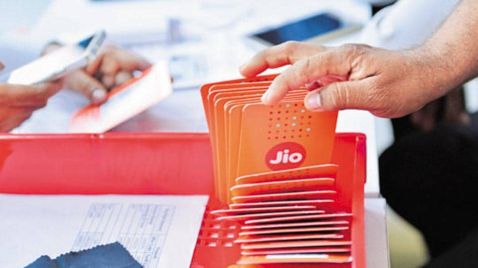 Customers buying Reliance Jio sims at a Reliance Digital centre in Mumbai .Photo by
