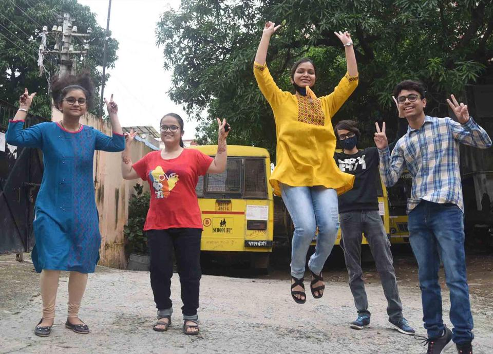 Patna-July.13,2020-Students are celebrating after declared CBSE class 12th results at the campus of Baldwin Academy in Patna. Bihar India on Monday, July 13,2020( Photo by Santosh Kumar/ Hindustan Times)