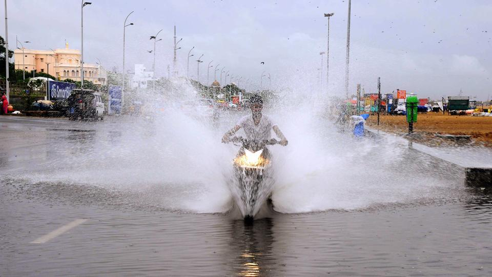 IMD issued an orange alert for heavy to very heavy rains for Mumbai and its suburbs