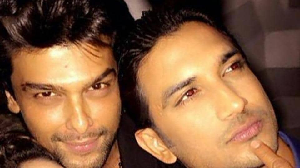 Kushal Tandon with Sushant Singh Rajput at an event.