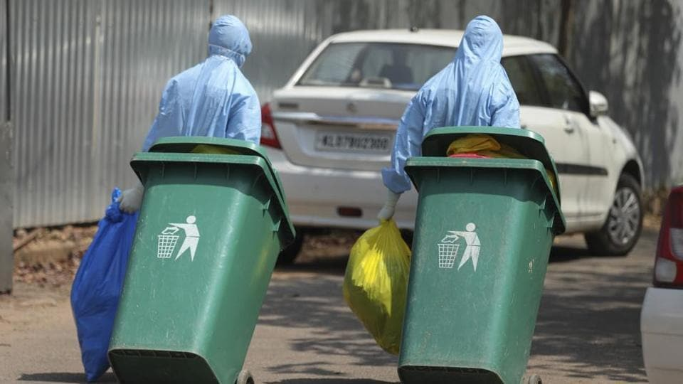 According to the Central Pollution Control Board (CPCB) guidelines, revised in June, the general waste contaminated by blood/body fluids of persons infected with Covid-19 shall be segregated in the yellow bag along with gloves and masks used by them.