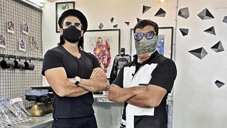 Ranveer Singh with his hair stylist Darshan Yawelekar a few days back.