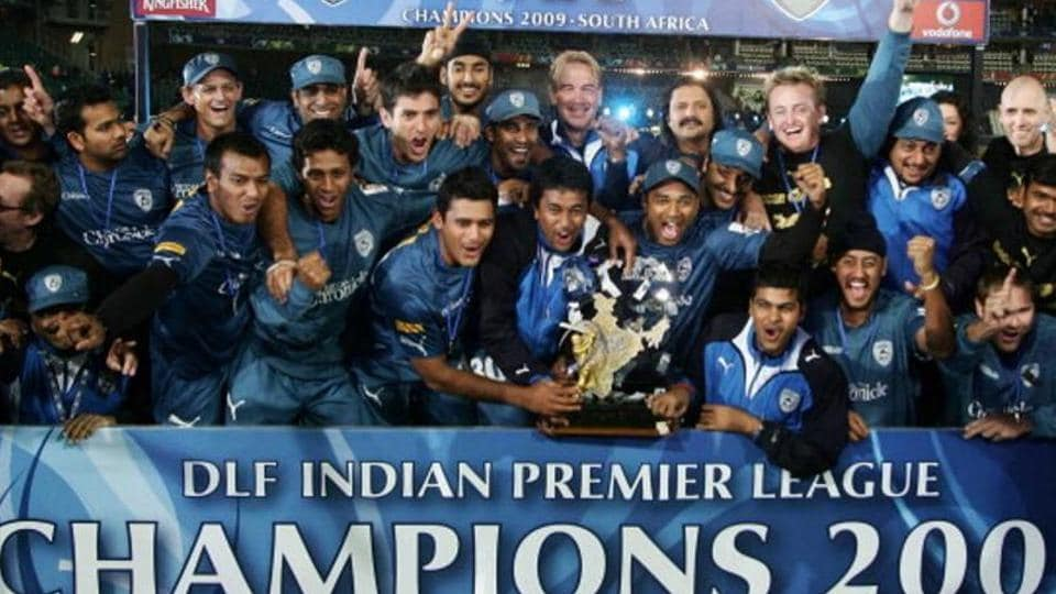 Deccan Chargers team lifts the IPL 2009 trophy  at Wanderers Cricket Ground on May 25, 2009 in Johannesburg, South Africa. (Photo by Santosh Harhare / Hindustan Times via Getty Images)