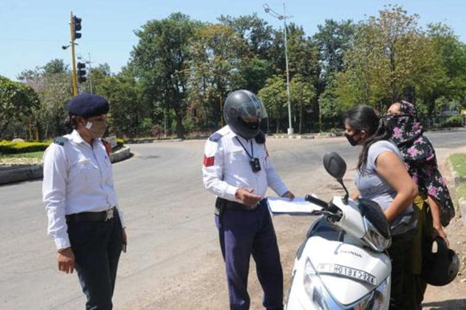 Chandigarh residents can now pay traffic challans online - chandigarh -  Hindustan Times