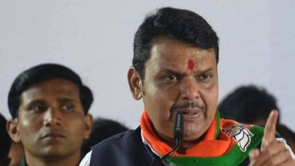 The Sena said that Fadnavis has been touring the state to monitor the Covid-19 relief work and the health facilities and has expressed satisfaction over the work being carried out by the state government against coronavirus.. (HT PHOTO)