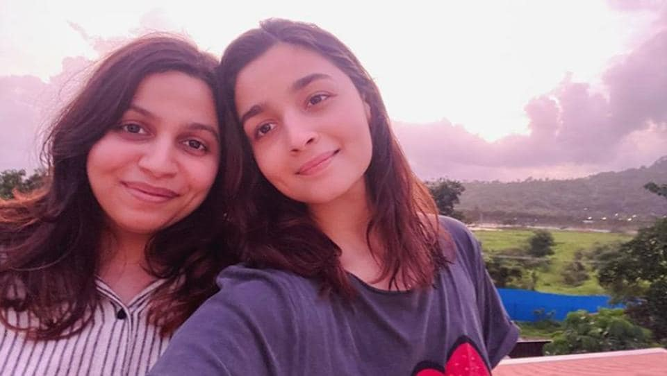 Alia Bhatt shared a new pic with sister Shaheen.