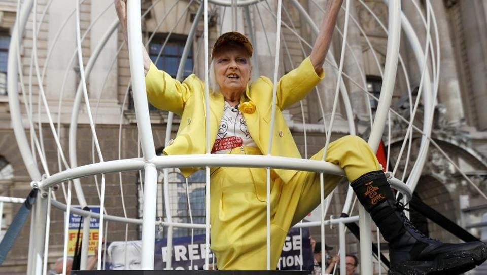 Vivienne Westwood demonstrates outside the Old Bailey in support of Julian Assange, in London, Britain.  (REUTERS/Peter Nicholls)