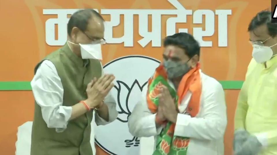 Patel joined the BJPin presence of MPCMShivraj Singh Chouhan.