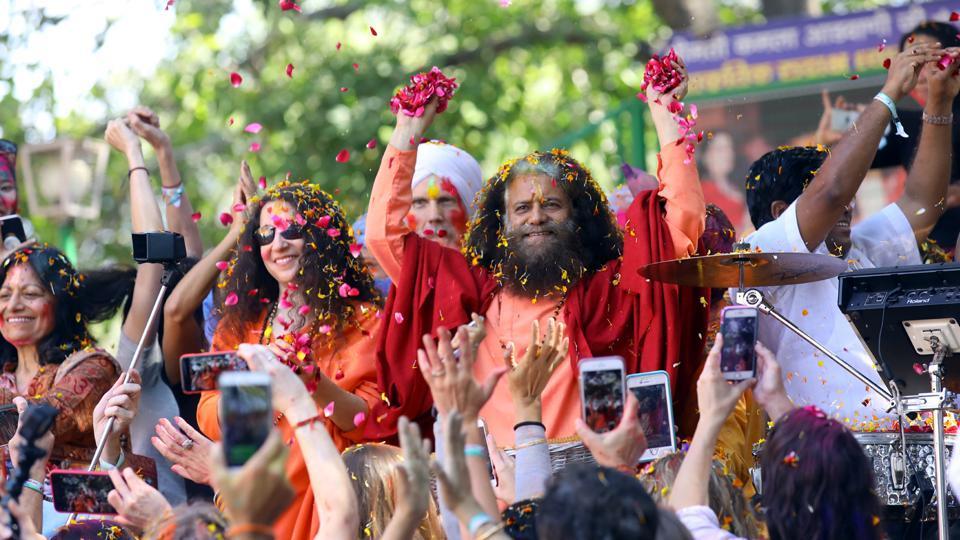 Head of famous Rishikesh ashram, Chidanand Saraswati booked for encroachment of forest land