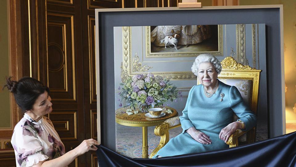 The new portrait of Queen Elizabeth is by artist Miriam Escofet