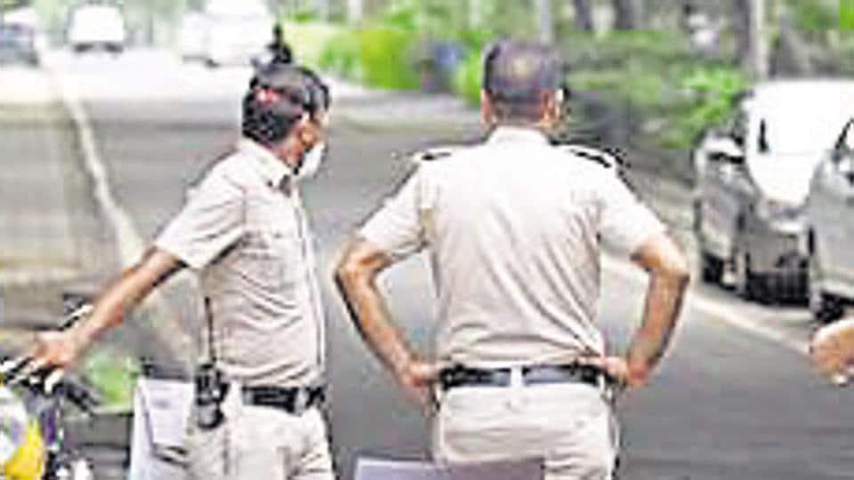 The events unfolded near the Daakghar Chauraha around 6.30 pm on Saturday.