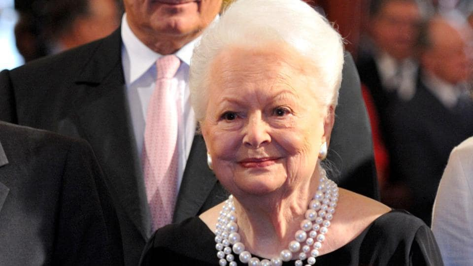 Olivia de Havilland looks on after she was awarded with the Legion d'honneur at the Elysee Palace, France September 9, 2010. (REUTERS/Philippe Wojazer/File Photo)