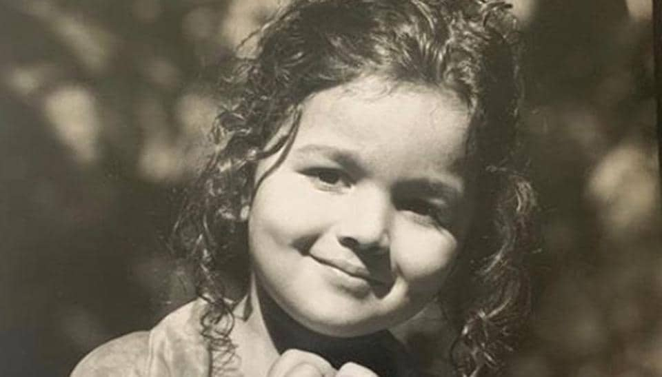 Alia Bhatt shared a sweet picture from her childhood.