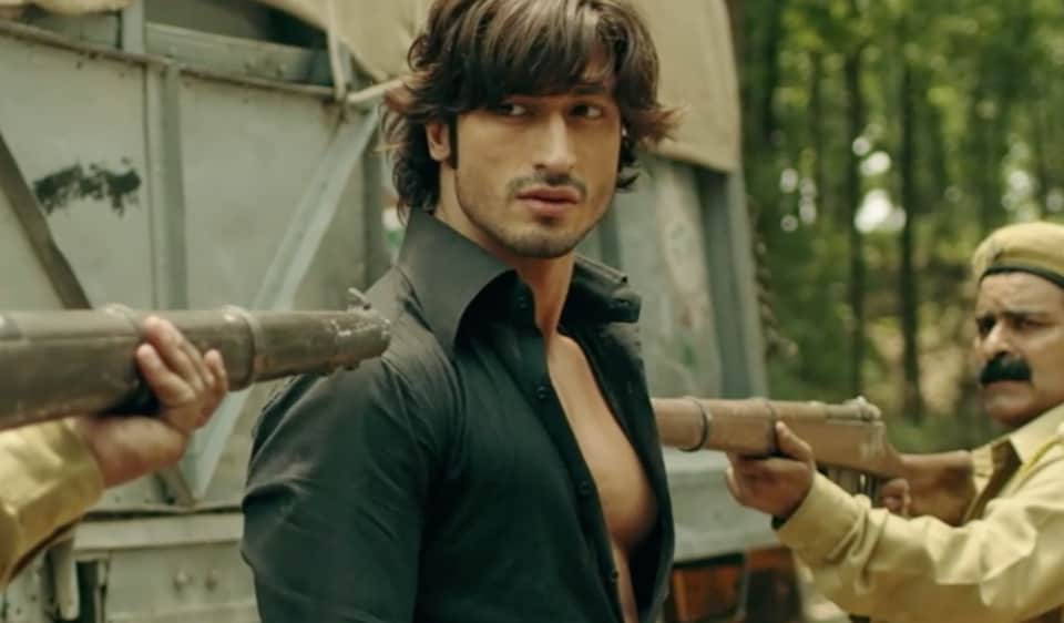 A beefy Vidyut Jammwal and a brooding Amit Sadh, playing the two male leads, are called upon to put in the hard yards in a film that never quite gets off the ground. Written and directed by Tigmanshu Dhulia, Yaara straddles five decades - from the early 1950s to the late 1990s - and yet seems caught in a time warp.....FabbyNews.com