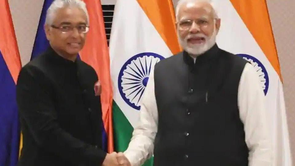 Prime Minister Narendra Modi with Prime Minister of Mauritius Pravind Kumar Jugnauth in Varanasi.