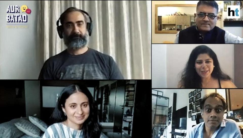 The image shows Gajraj Rao, Rasika Dugal, Ranvir Shorey, and Rajesh Krishnan in conversation with RJ Stutee, discussing their new film Lootcase.