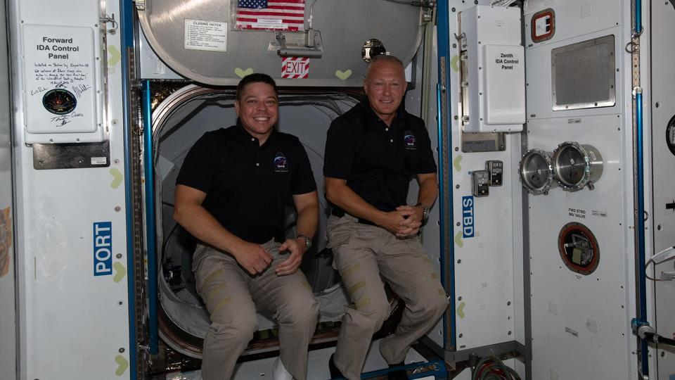 SpaceX and Nasa plan to bring Doug Hurley and Bob Behnken back Sunday afternoon.
